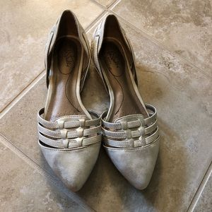 Life Stride Pointed Toe Flats - Cream/Gold